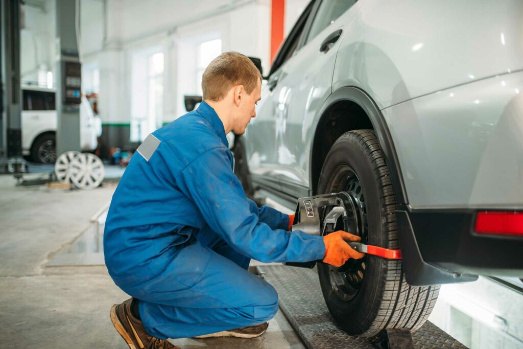 Tire-Pressure-Checks